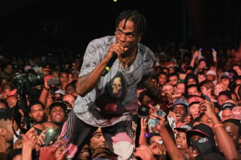 travi-scott-performs-in-reebok-ventilator-sneakers-at-the-trillectro-music-festival-at-rfk-stadium-on-august-23-2014-in-washington-dc